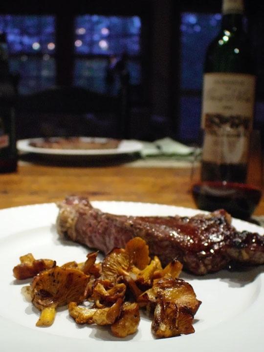 Steak-&-Chanterelles